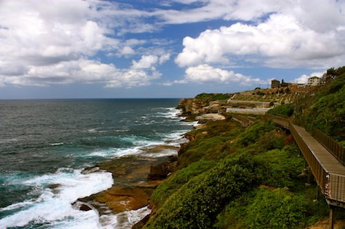 Coastal walk from bondi to coogee l things to do in sydney c est