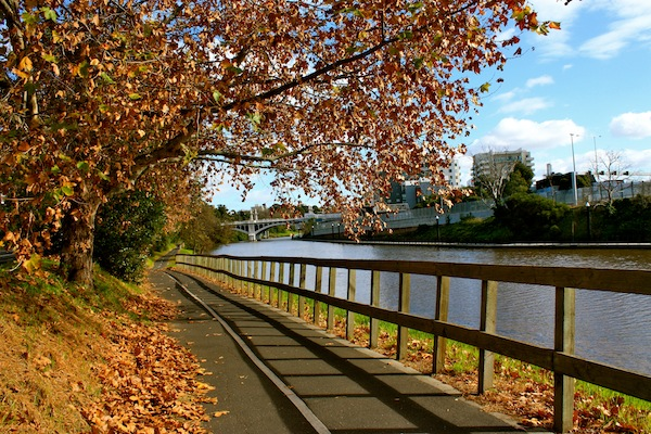 Beautiful autumn day along the Yarra River, Melbourne, Australia