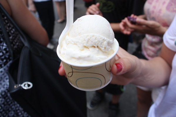 Ice cream in Chinatown with Ahoy New York Tours and Tasting