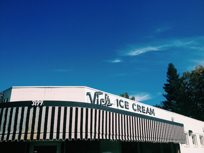 Vic's Ice Cream in Sacramento, Processed with VSCOcam with c1 preset